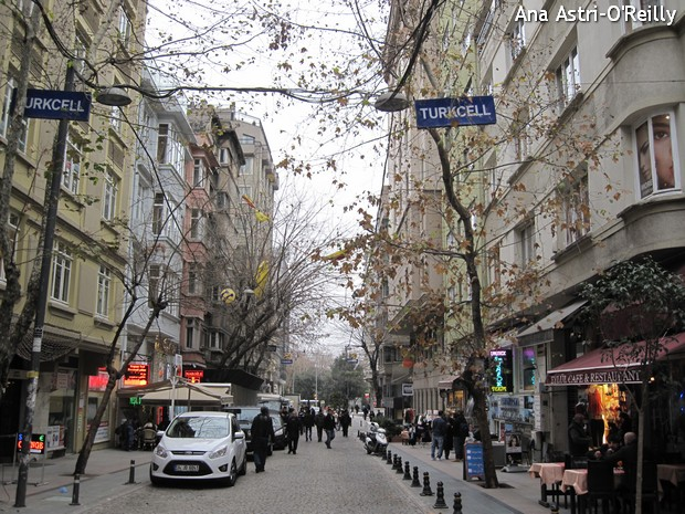 Taksim Square area. I was surprised by how Eropean these streets looks. It could anywhere, Madrid, Paris or Lisbon.