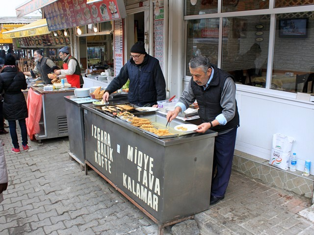 Food vendors in Anadolu Kavagy